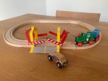 BRIO 33021 Railway Crossing Oval Set